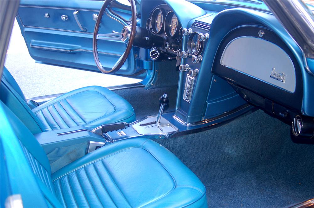 1967 CHEVROLET CORVETTE CONVERTIBLE - Interior - 70645