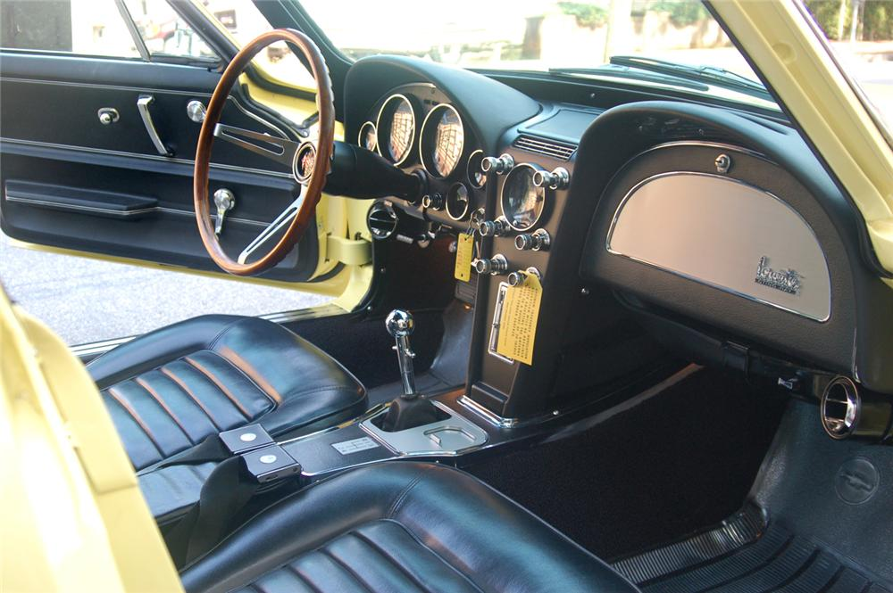1966 CHEVROLET CORVETTE COUPE - Interior - 70646