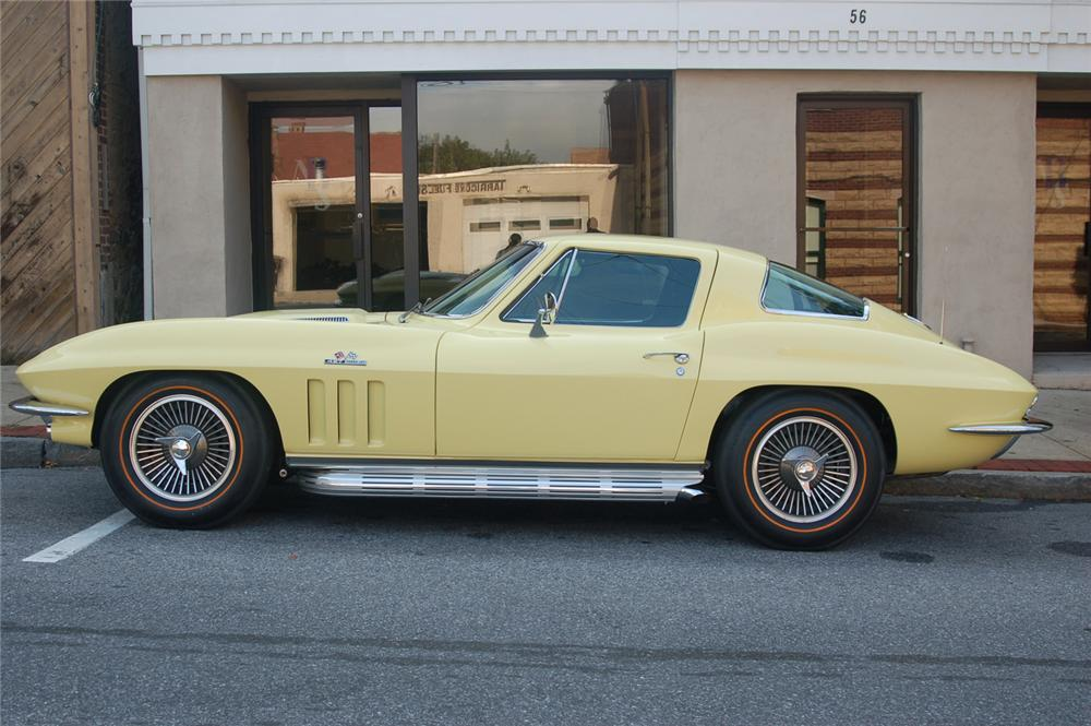 1966 CHEVROLET CORVETTE COUPE - Side Profile - 70646
