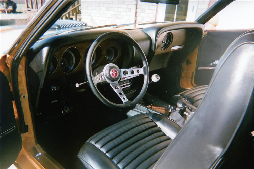 1970 FORD MUSTANG MACH 1 FASTBACK - Interior - 70650