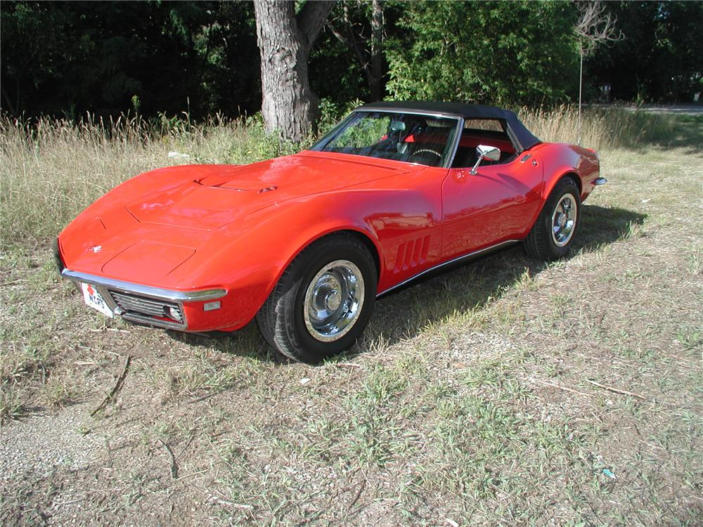 1968 CHEVROLET CORVETTE CONVERTIBLE - Front 3/4 - 70665