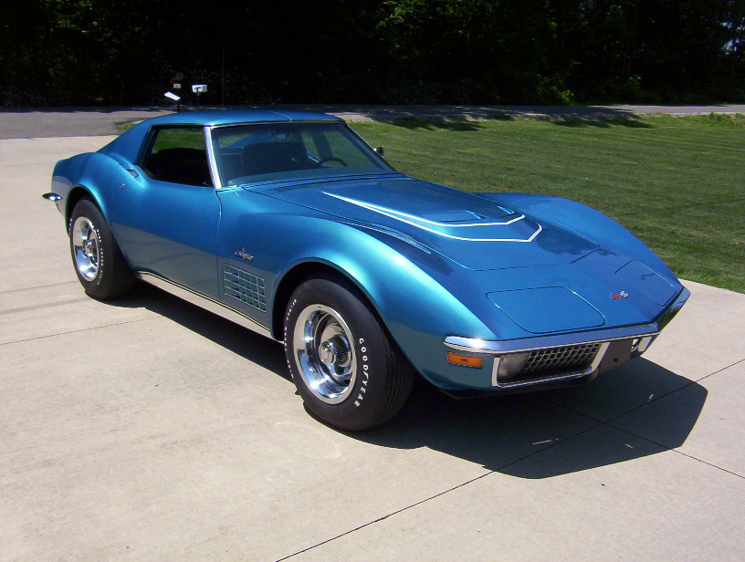 1971 CHEVROLET CORVETTE COUPE - Front 3/4 - 70666