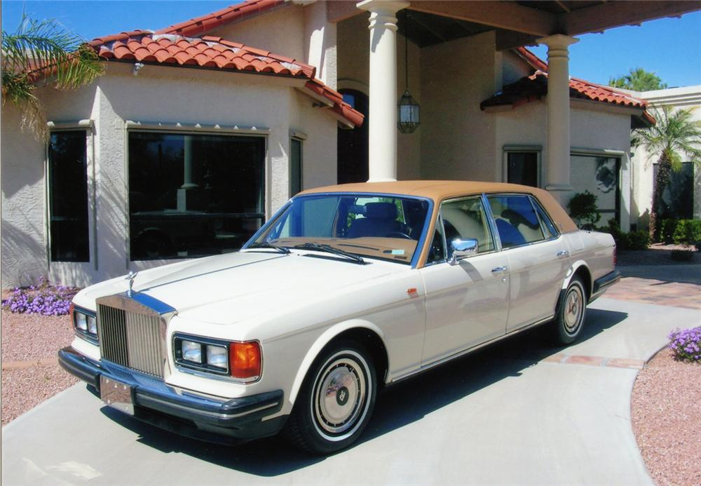 1990 ROLLS-ROYCE SILVER SPUR 4 DOOR SEDAN - Front 3/4 - 70676