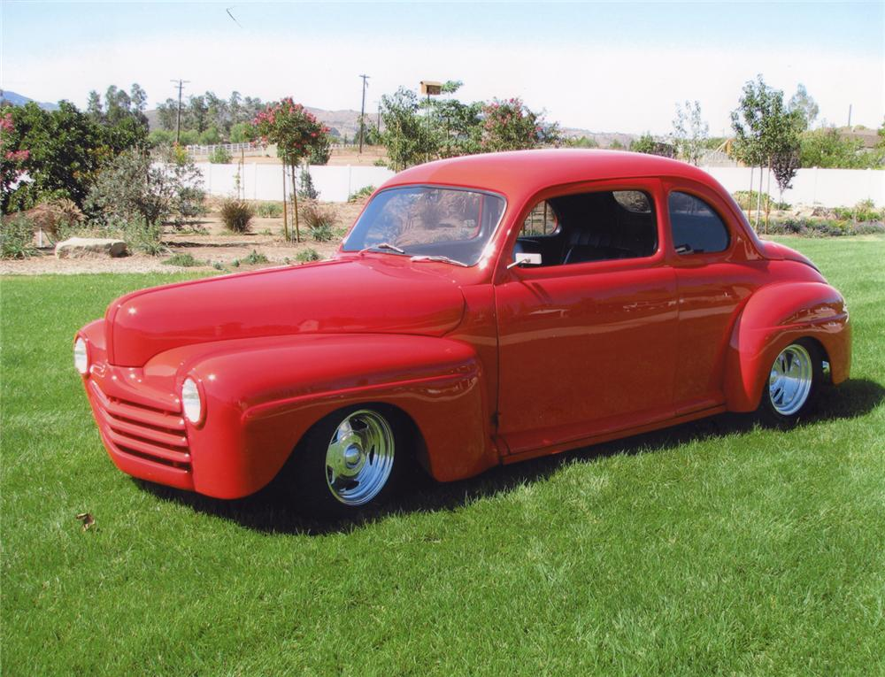 1948 FORD MODEL 48 CUSTOM COUPE - Front 3/4 - 70677
