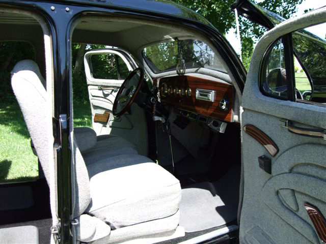 1937 BUICK SERIES 60 CUSTOM 4 DOOR SEDAN - Interior - 70679