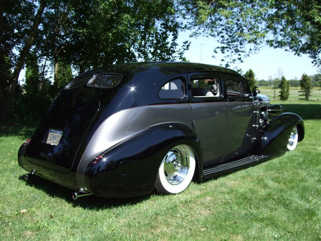 1937 BUICK SERIES 60 CUSTOM 4 DOOR SEDAN - Rear 3/4 - 70679