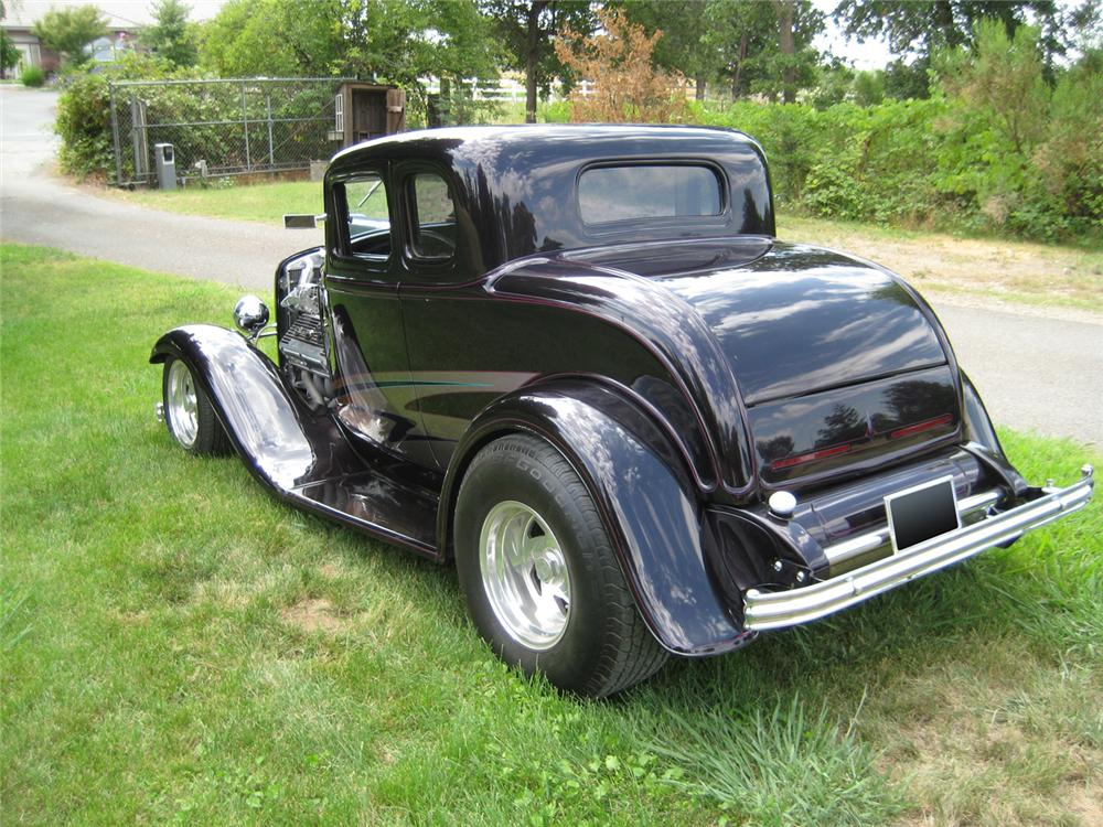 1932 ford 5 window 2 door custom coupe 70686 for 1932 ford four door
