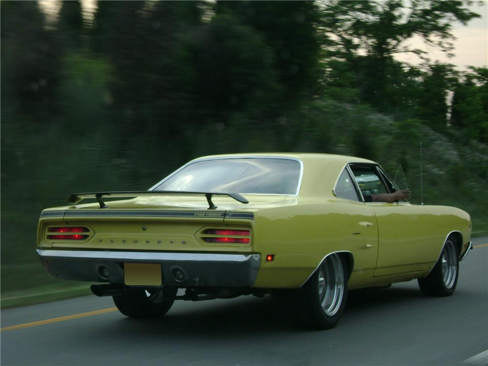 1970 PLYMOUTH ROAD RUNNER CUSTOM COUPE - Rear 3/4 - 70691