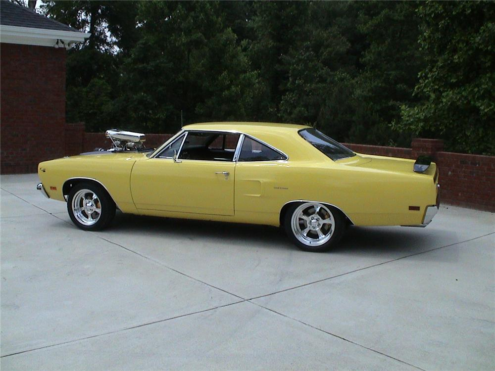 1970 PLYMOUTH ROAD RUNNER CUSTOM COUPE - Side Profile - 70691