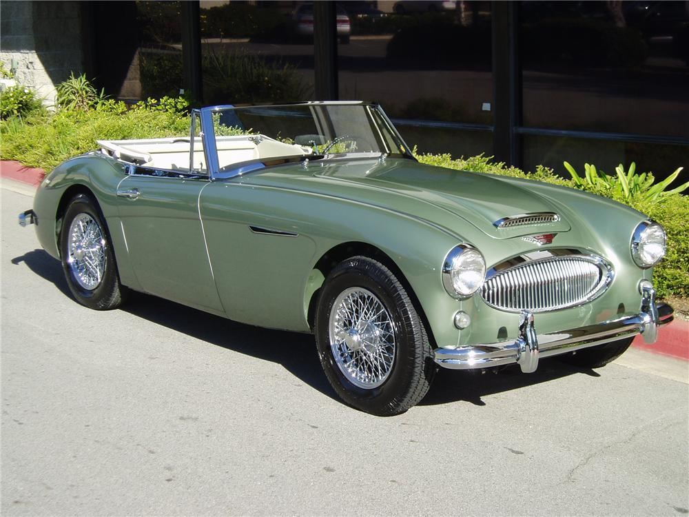 1964 AUSTIN-HEALEY 3000 MARK III BJ8 SPORTS CONVERTIBLE - Front 3/4 - 70694