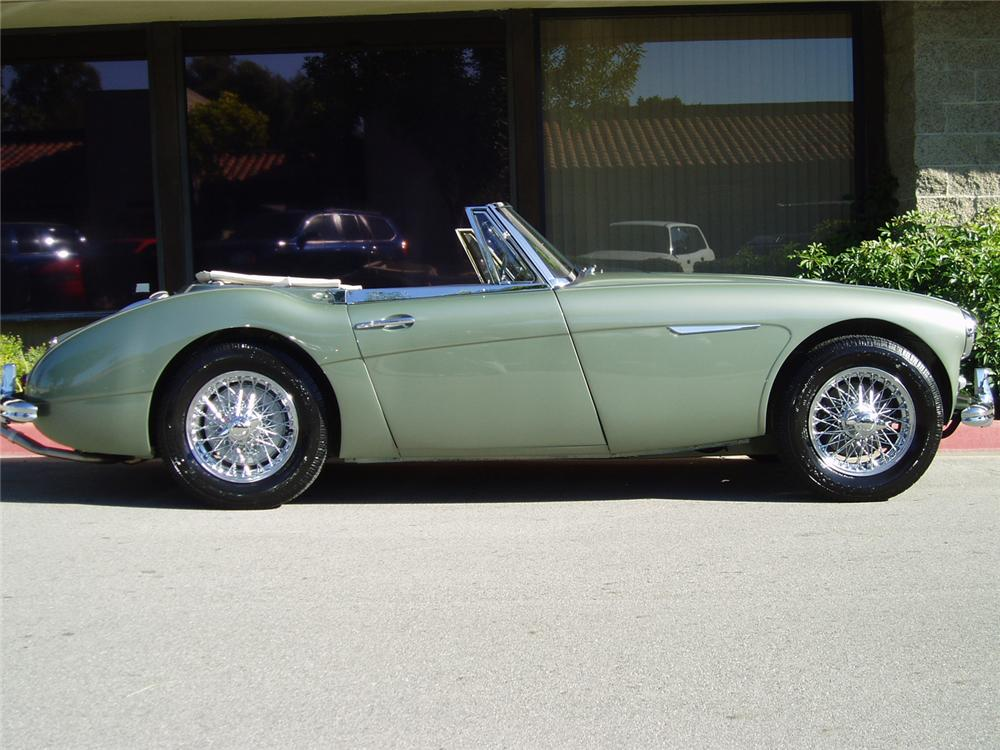 1964 AUSTIN-HEALEY 3000 MARK III BJ8 SPORTS CONVERTIBLE - Side Profile - 70694