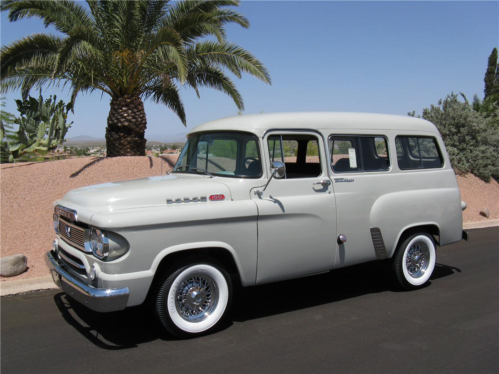 1960 DODGE TOWN WAGON - Front 3/4 - 70718