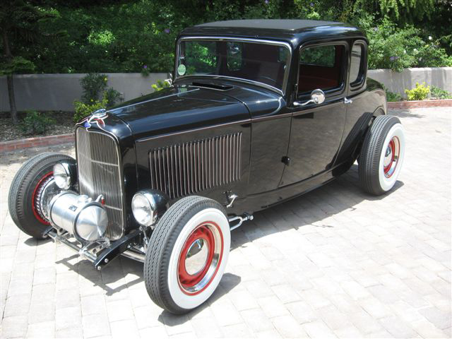 1932 FORD 5 WINDOW CUSTOM COUPE - Front 3/4 - 70730