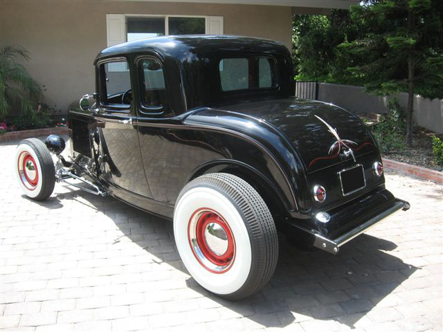 1932 FORD 5 WINDOW CUSTOM COUPE - Rear 3/4 - 70730