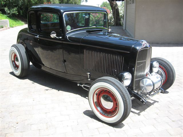 1932 FORD 5 WINDOW CUSTOM COUPE - Side Profile - 70730