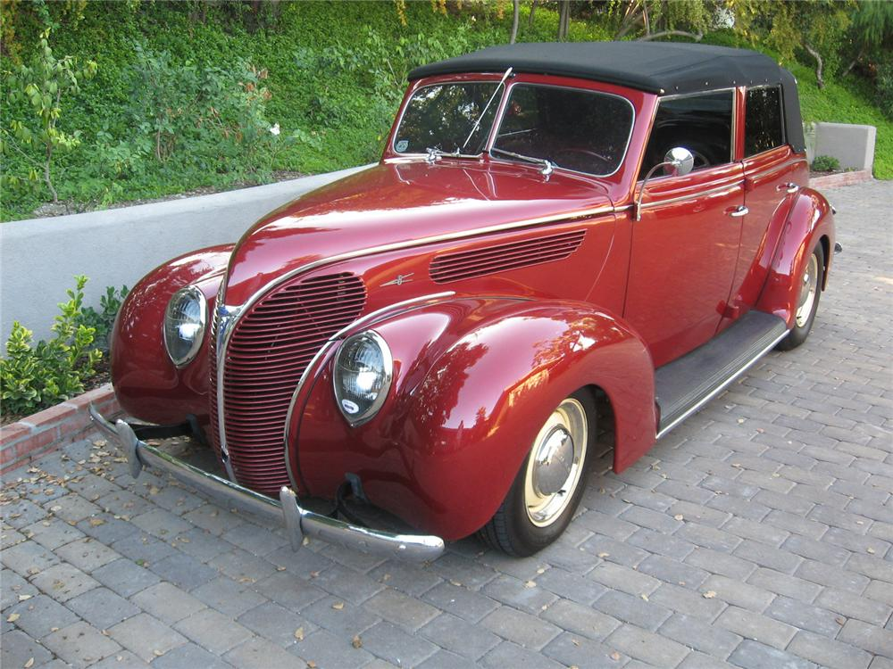 1938 FORD CUSTOM 4 DOOR CONVERTIBLE - Front 3/4 - 70736