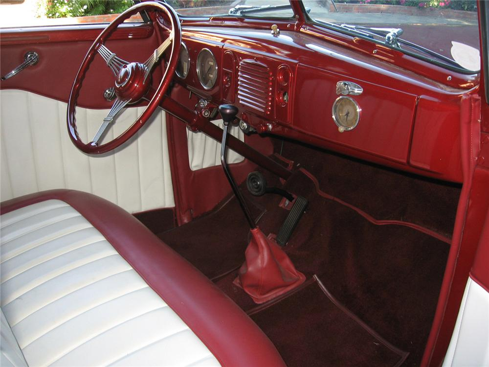 1938 FORD CUSTOM 4 DOOR CONVERTIBLE - Interior - 70736