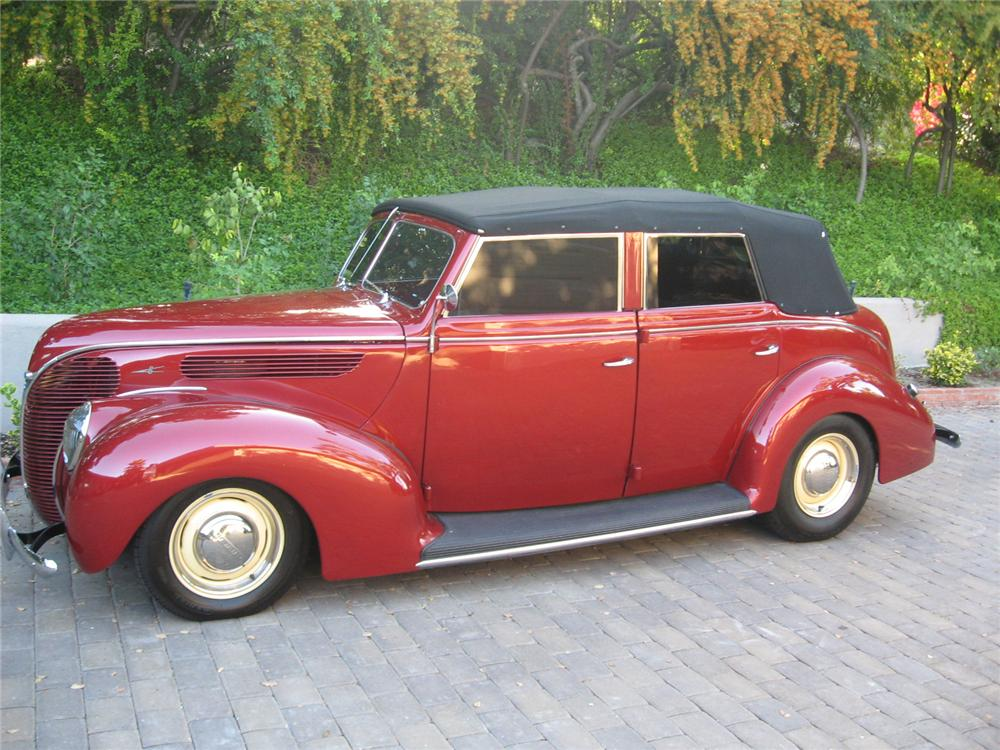 1938 FORD CUSTOM 4 DOOR CONVERTIBLE - Side Profile - 70736