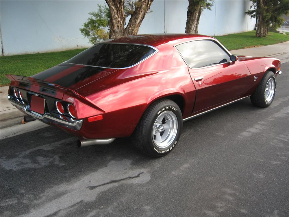 1972 CHEVROLET CAMARO CUSTOM COUPE - Rear 3/4 - 70737