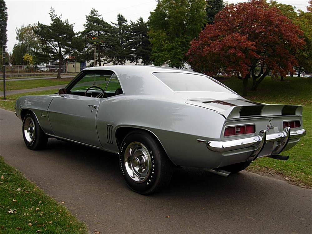 1969 CHEVROLET CAMARO Z/28 2 DOOR COUPE - Rear 3/4 - 70738