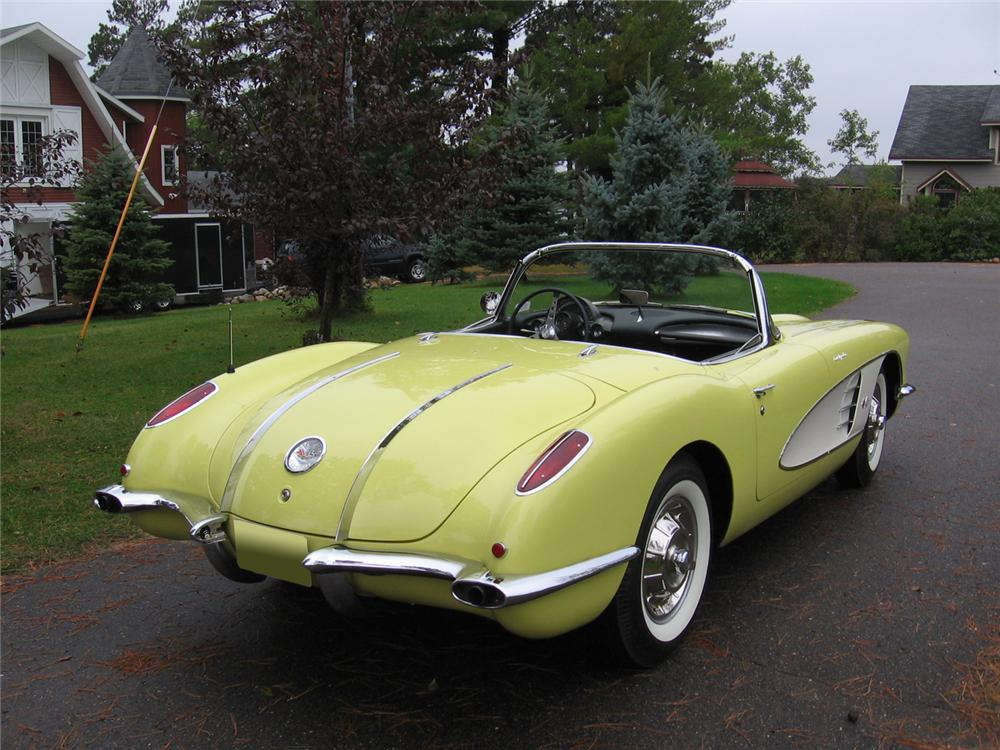 1958 CHEVROLET CORVETTE CONVERTIBLE - Rear 3/4 - 70754