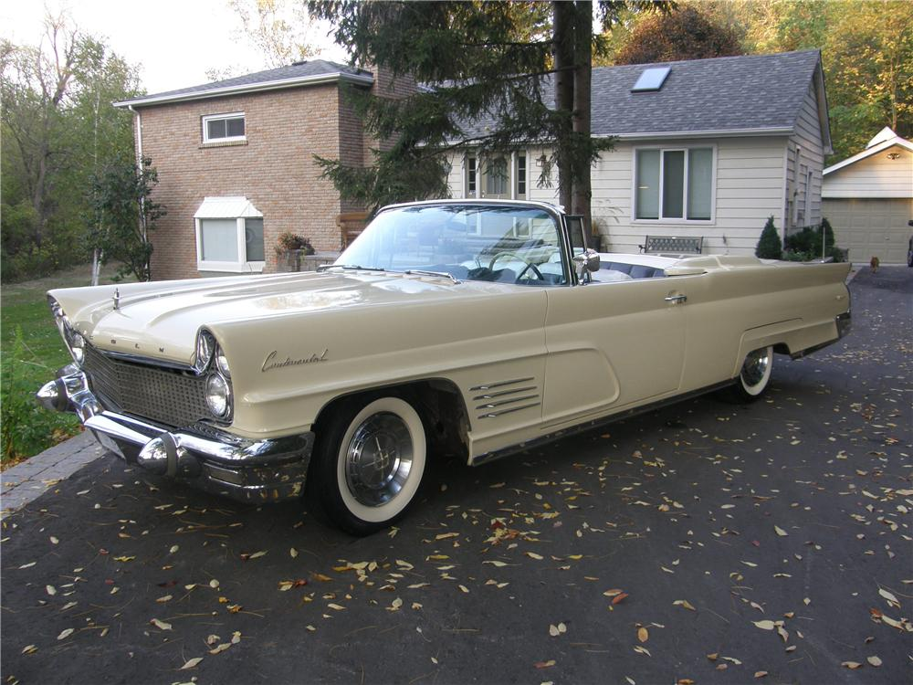 1960 LINCOLN CONTINENTAL MARK V CONVERTIBLE - Front 3/4 - 70769