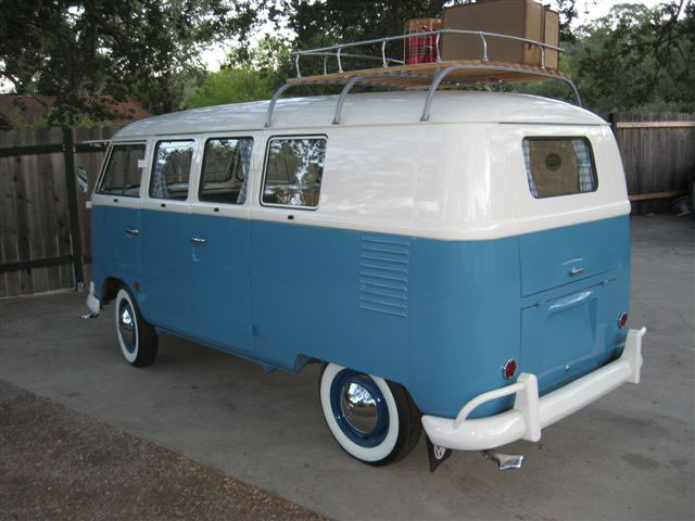 1961 VOLKSWAGEN MICRO BUS DOUBLE DOOR CAMPER - Rear 3/4 - 70786