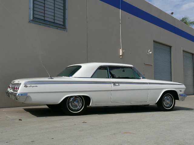 1962 CHEVROLET IMPALA SS COUPE - Rear 3/4 - 70802