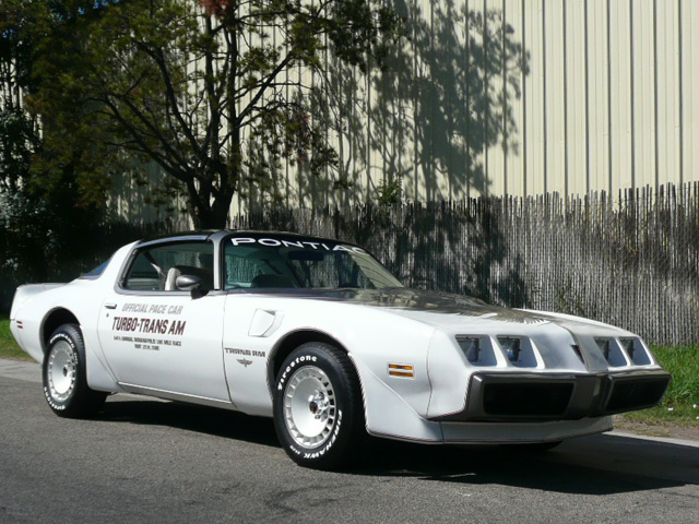 1980 PONTIAC FIREBIRD TRANS AM PACE CAR EDITION - Front 3/4 - 70815
