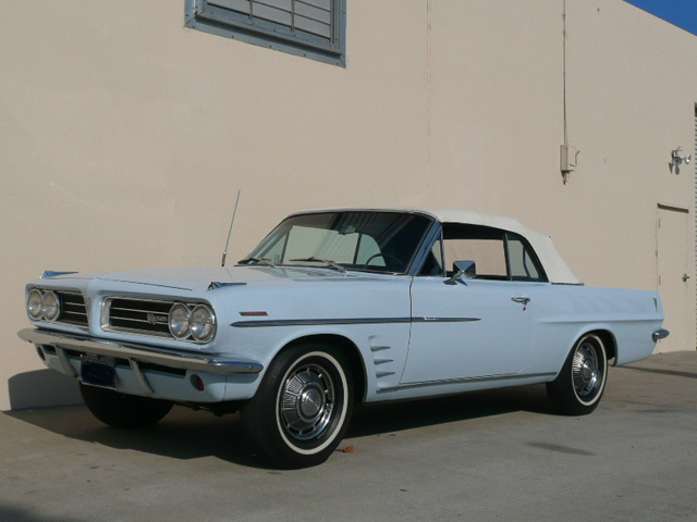 1963 PONTIAC LEMANS CONVERTIBLE - Side Profile - 70817