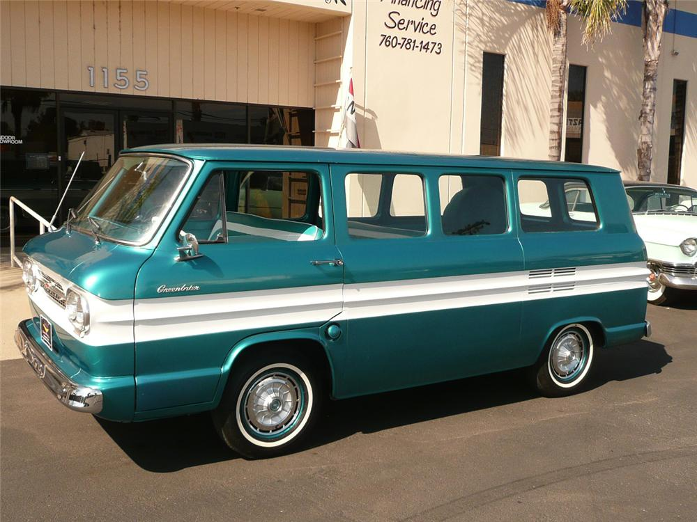 1962 CHEVROLET CORVAIR GREENBRIAR VAN - Front 3/4 - 70818