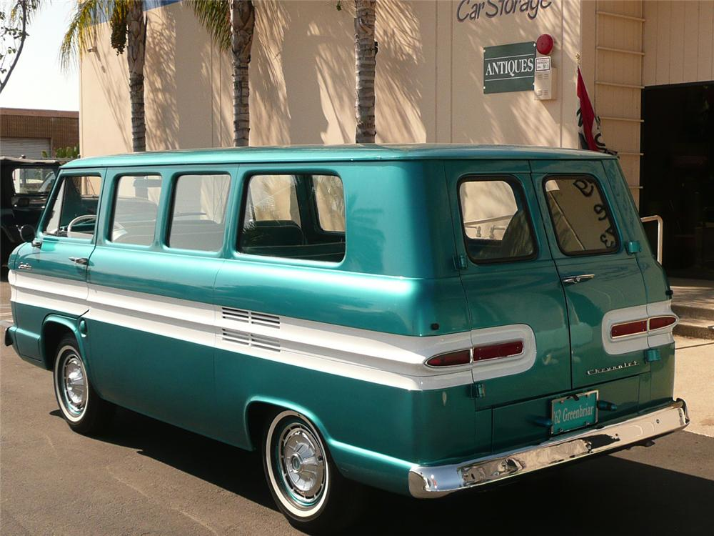 1962 CHEVROLET CORVAIR GREENBRIAR VAN - Rear 3/4 - 70818