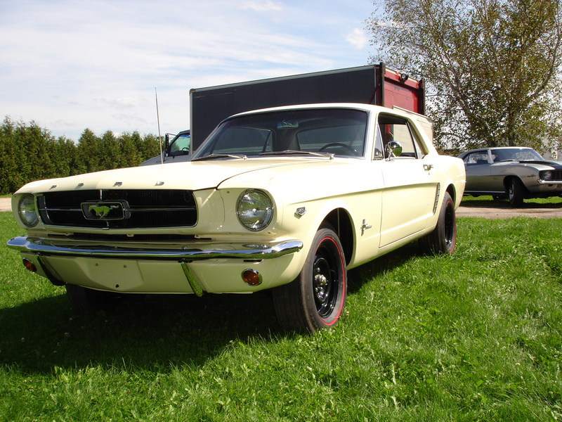 1965 FORD MUSTANG COUPE - Front 3/4 - 70845