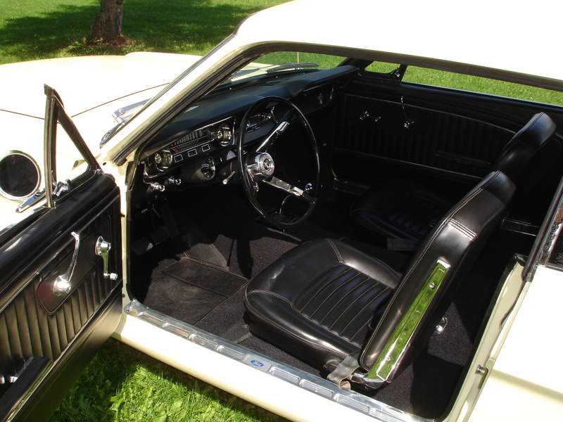 1965 FORD MUSTANG COUPE - Interior - 70845