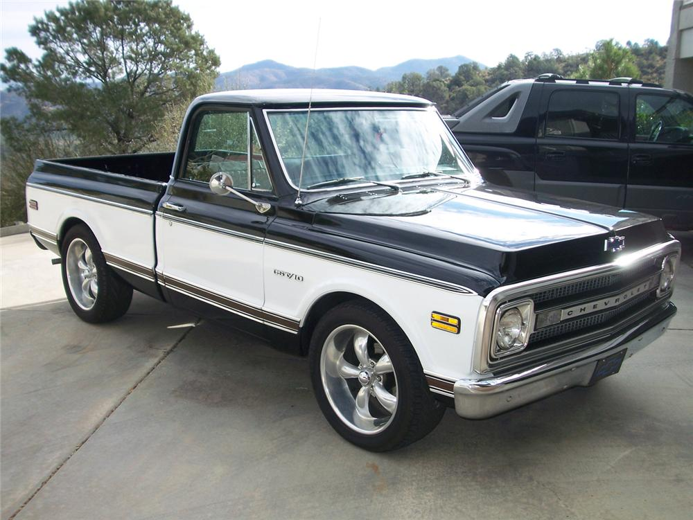1969 CHEVROLET C-10 CUSTOM PICKUP - Front 3/4 - 70850