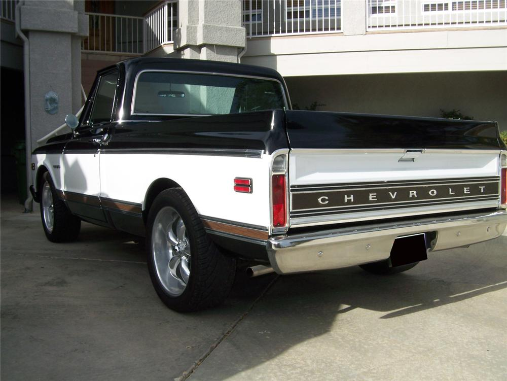1969 CHEVROLET C-10 CUSTOM PICKUP - Rear 3/4 - 70850