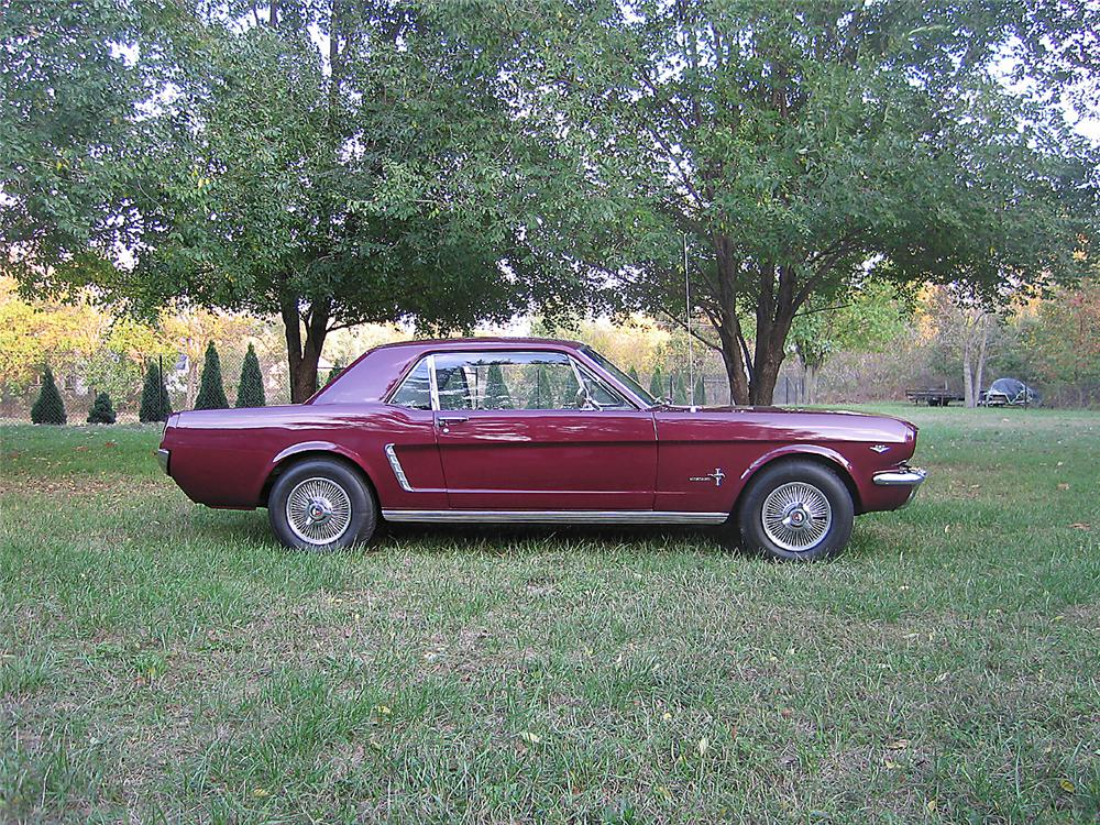 1965 FORD MUSTANG 2 DOOR COUPE - Side Profile - 70880