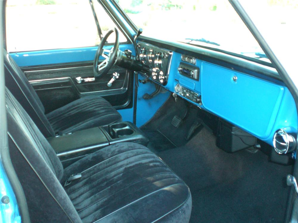 1972 CHEVROLET C-10 CUSTOM PICKUP - Interior - 70884
