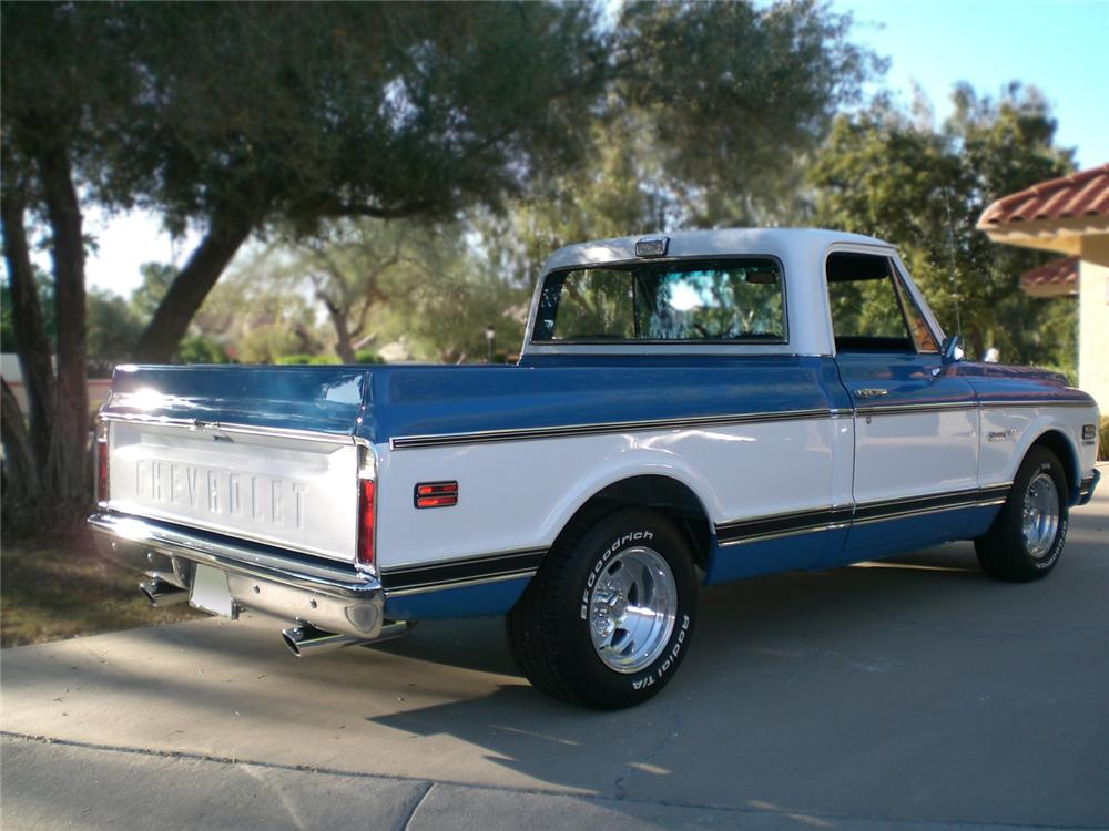 1972 CHEVROLET C-10 CUSTOM PICKUP - Rear 3/4 - 70884