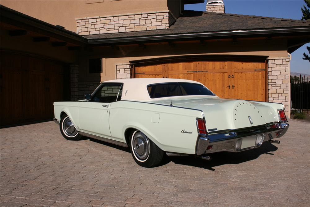 1971 LINCOLN CONTINENTAL MARK III 2 DOOR HARDTOP - Rear 3/4 - 70885
