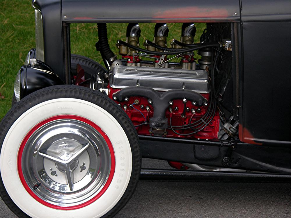 1932 FORD CUSTOM ROADSTER - Engine - 70887