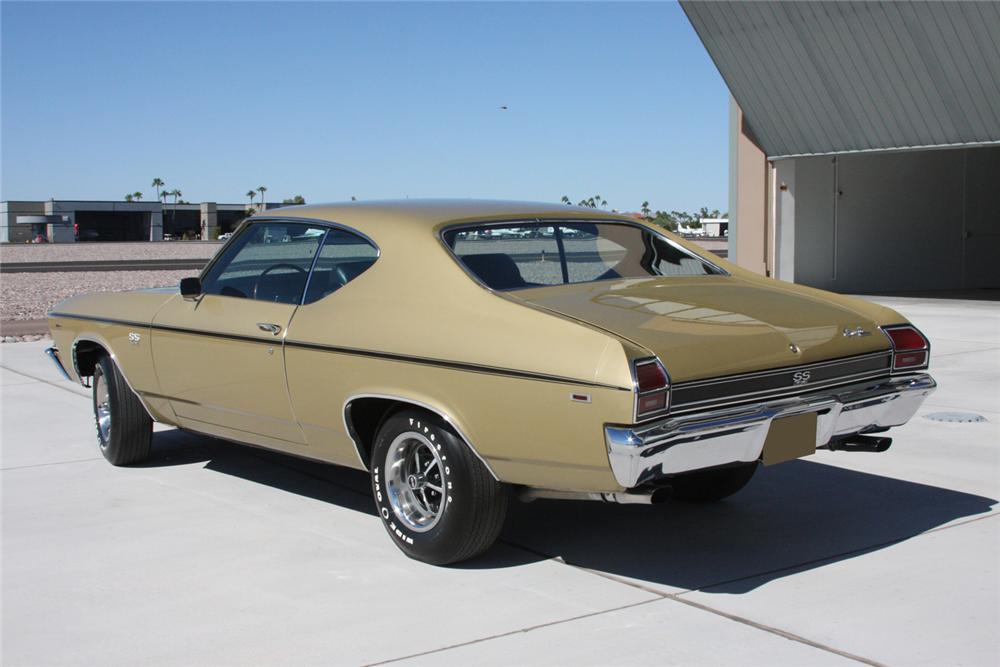 1969 CHEVROLET CHEVELLE SS 396 COUPE - Rear 3/4 - 70890