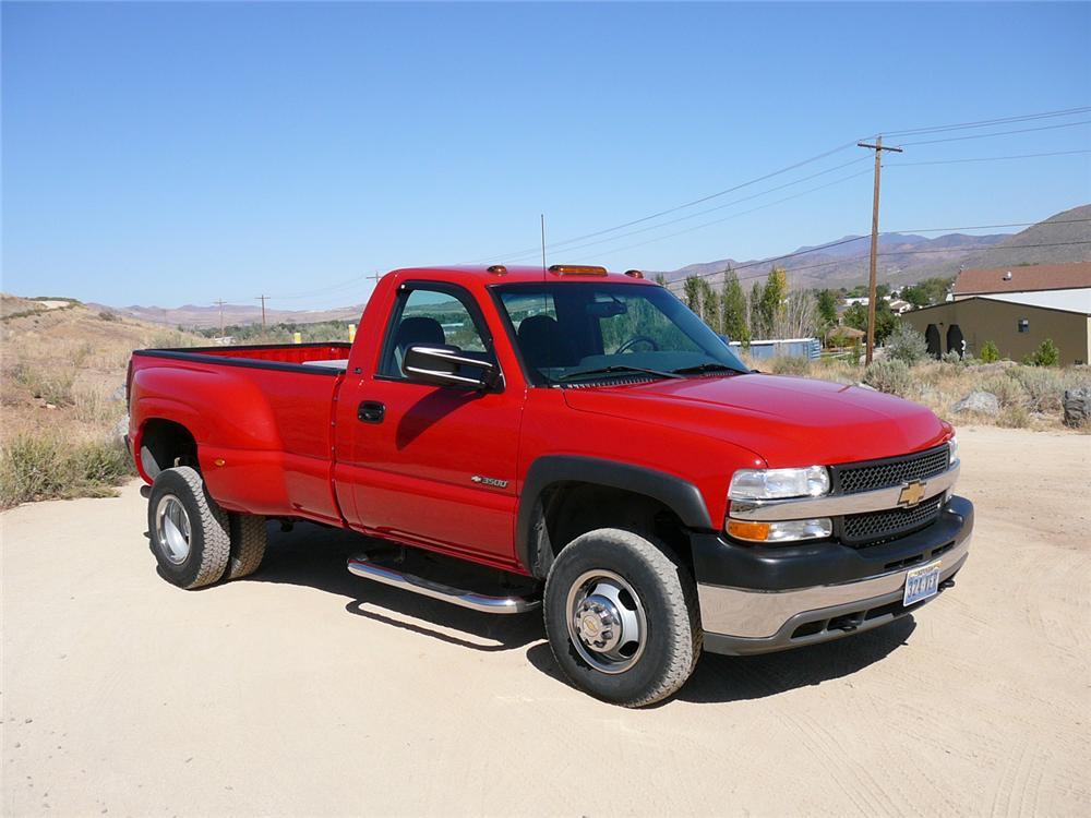 2001 CHEVROLET 3500 LS 4X4 DUALLY PICKUP - Front 3/4 - 70892