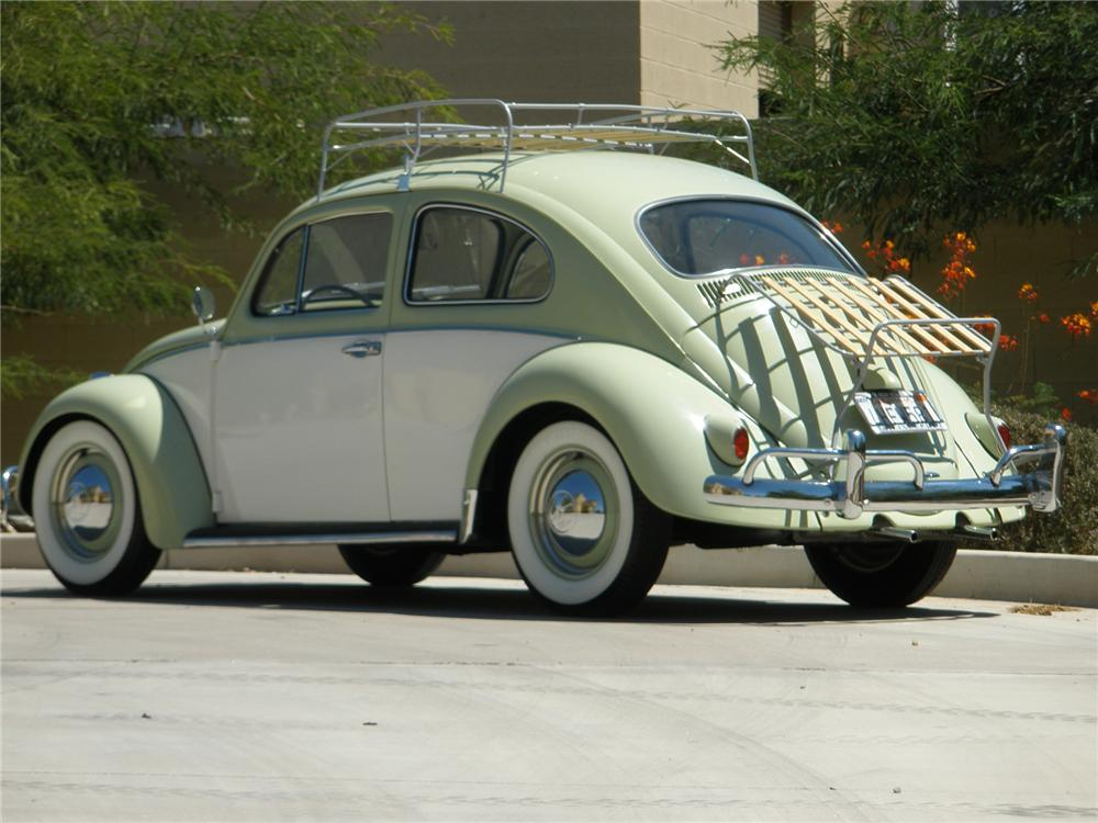 1961 VOLKSWAGEN BEETLE COUPE - Rear 3/4 - 70905