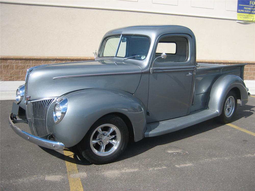 1941 FORD CUSTOM 1/2 TON PICKUP - Front 3/4 - 70933