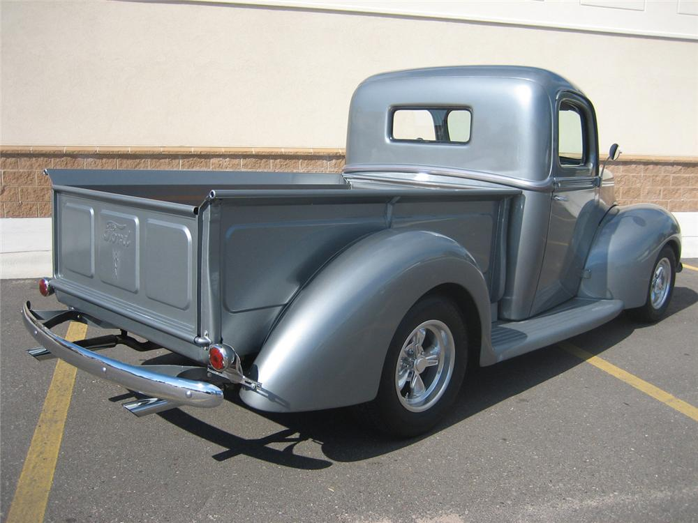 1941 FORD CUSTOM 1/2 TON PICKUP - Rear 3/4 - 70933