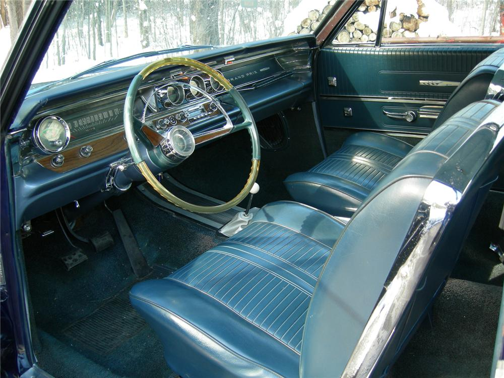1963 PONTIAC GRAND PRIX TRI-POWER 421 2 DOOR HARDTOP - Interior - 70935