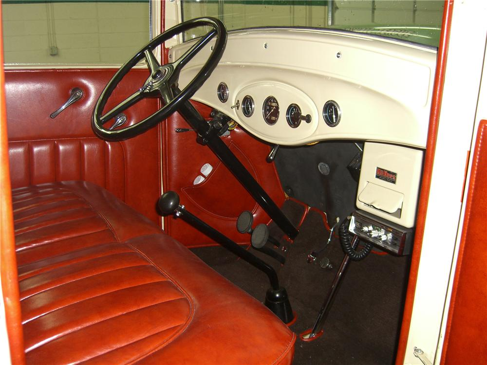 1934 FORD FLATBED TRUCK - Interior - 70938