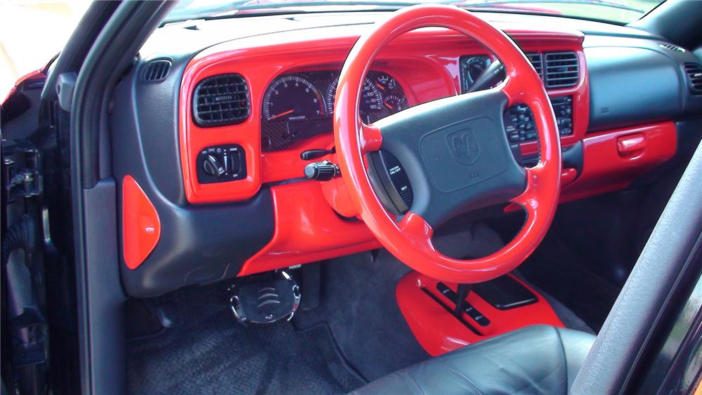 2000 DODGE DURANGO CUSTOM SUV - Interior - 70946