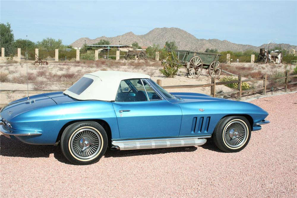 1965 CHEVROLET CORVETTE CONVERTIBLE - Side Profile - 70956
